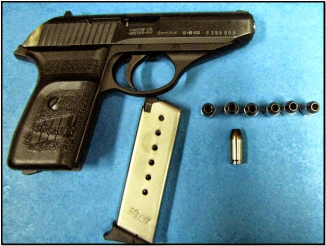 Loaded Firearm Discovered in Carry-on Bag (LEX)