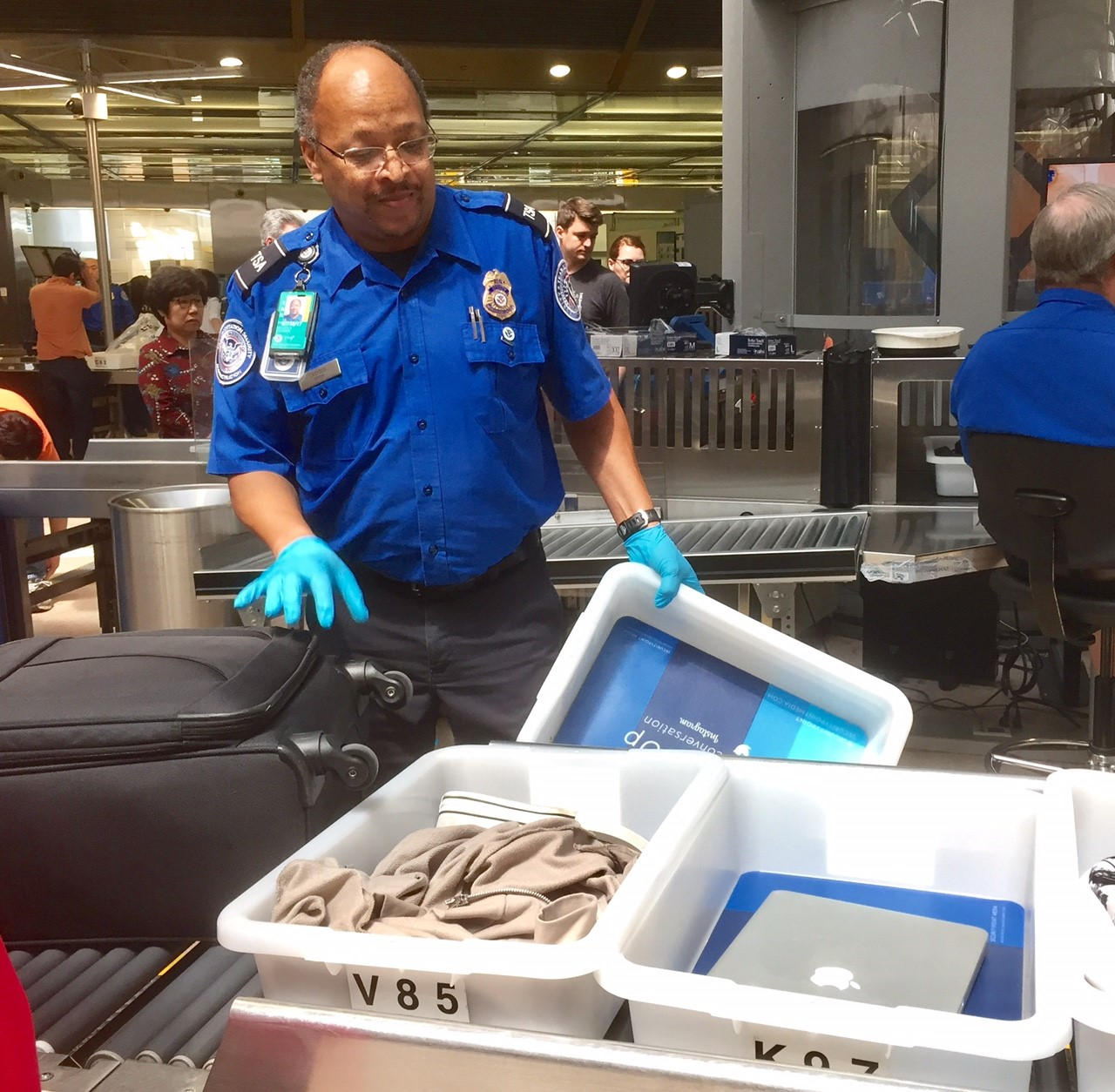 Tsa Shares Top 5 Tips To Get You Through End Of Year Holiday Travel