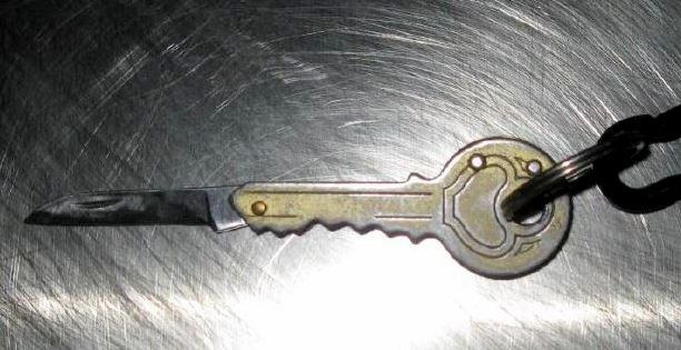 Discovered key knife