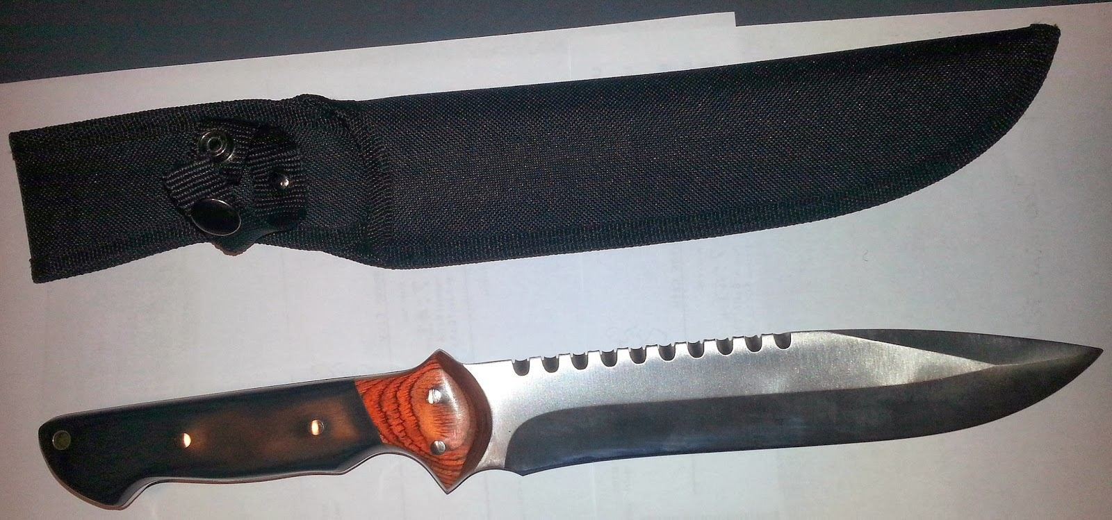 Knife Discovered at EWR