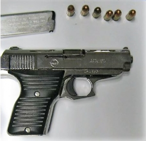 A St. Albans, WV, man was cited by police after TSA officers detected this handgun in his carry-on bag (TSA photo)